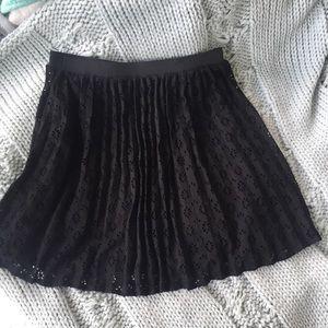 Dresses & Skirts - Black pleated mini skirt